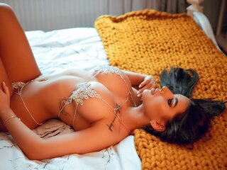 AmyCruize pics show sex